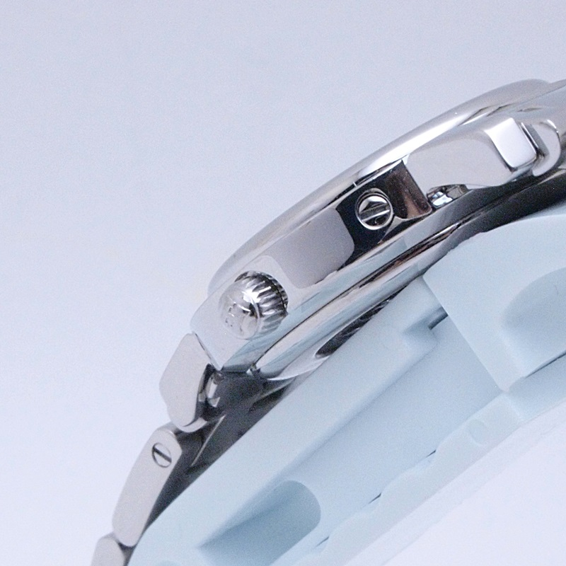 http://エルメス%20HERMES%20レディース腕時計%20クリッパーナクレ%20CL4230%20SS/ダイヤ入り%20シェル文字盤%20中古