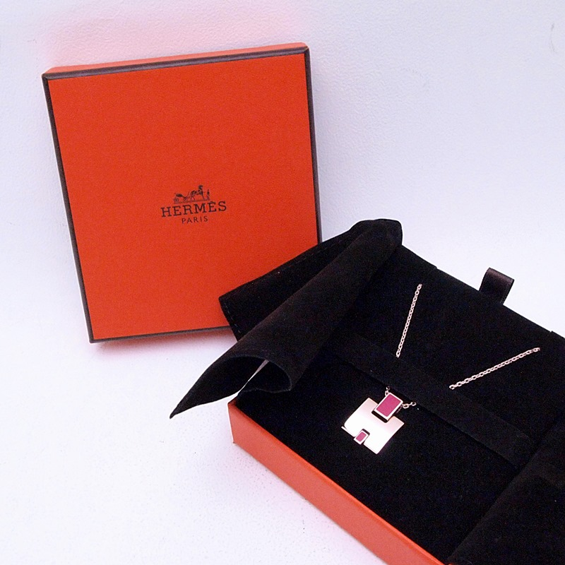 http://エルメス%20HERMES%20ネックレスペンダント%20アイリーンネックレス%20PGP%20ピンク系%20中古